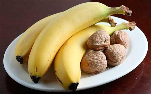 бананы и орехи