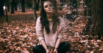девушка-тревога